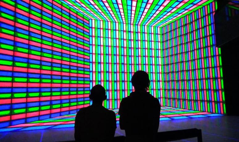Foto: AROTIN & SERGHEI - Ars Electronica 2015 (videoimage)
