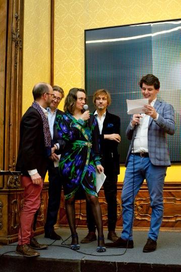 photo Lena Kern 2018 – exhibition AROTIN & SERGHEI Metamorphosis – opening live performance at opening – texts by OVID & SCRIBIN with Kira Marina von Bismarck & Jean van der Stegen