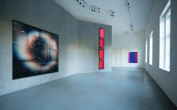 AROTIN & SERGHEI Mute Space 2017, Infinite Column 2018, exhibition view at Palais Rasmuofsky 2018